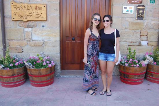 Polientes, España: Front of hotel