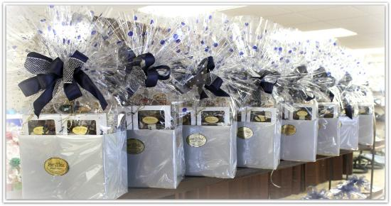 jasper gift basket and popcorn company christmas is the time for giving remember your
