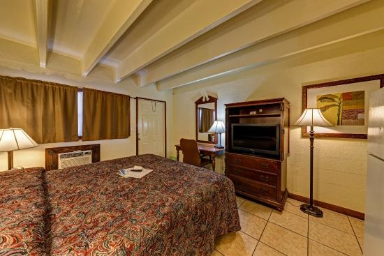 aladdin motel apartments updated 2017 prices reviews. Black Bedroom Furniture Sets. Home Design Ideas
