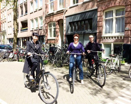 Amsterdam Black-Bikes: Biking in Amsterdam