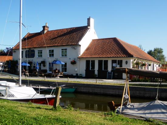 The Pleasure Boat Inn