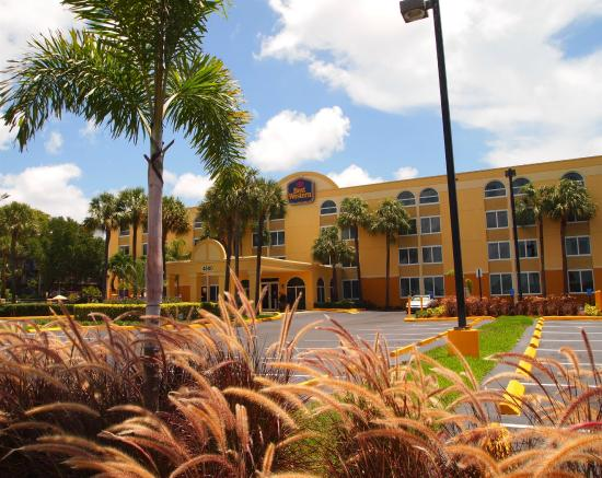 BEST WESTERN Ft. Lauderdale I-95 Inn: Hotel Exterior