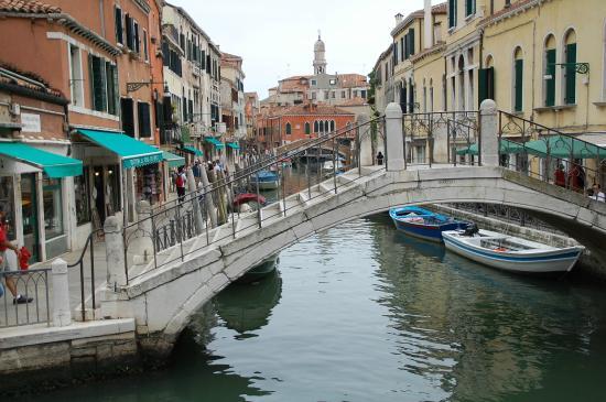 Hotel Locanda Salieri: vue sur le canal