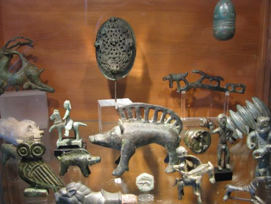 Celtic and Prehistoric Museum: Some wonderful artifacts.