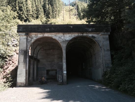 Easton, WA: Tunnel Entrance