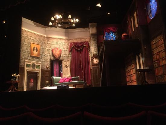 duchess theatre london the play that goes wrong