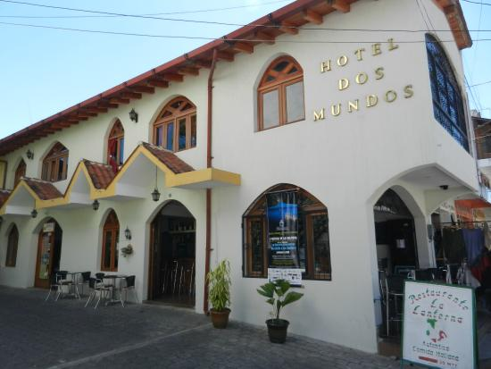 Hotel Dos Mundos: View from Santander Street