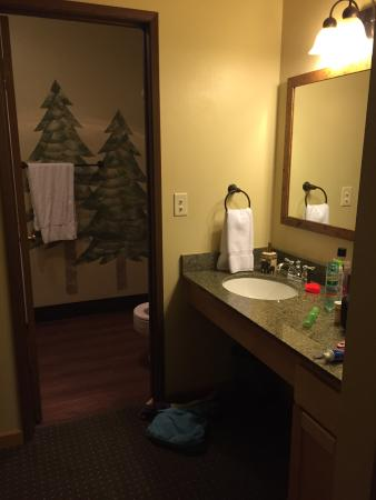 Blanchard, Idaho: Having a great time here, lots to do! The staff is wonderful. Had an issue with the shower head 