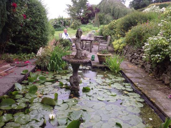 Lawley House: Garden