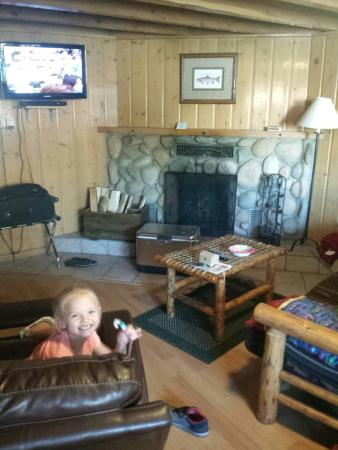 Yellowstone Inn: Room 4