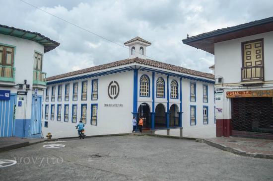 Marsella, Colombia: entrada Casa de la cultura