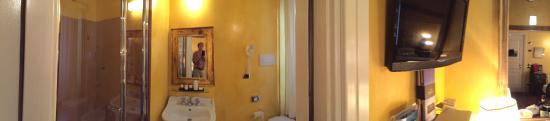 Graziella Patio Hotel: Panorama from bathroom to bedroom