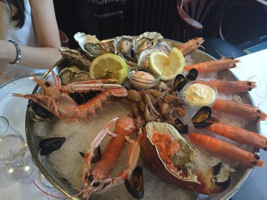Brasserie lipp picture of brasserie lipp zurich for Seafood bar zurich