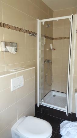 L'Ouest Hotel: nice bathroom