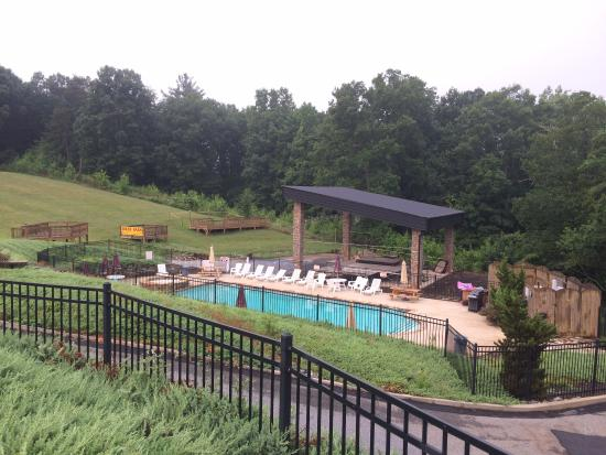 Copperhead Lodge: Pool
