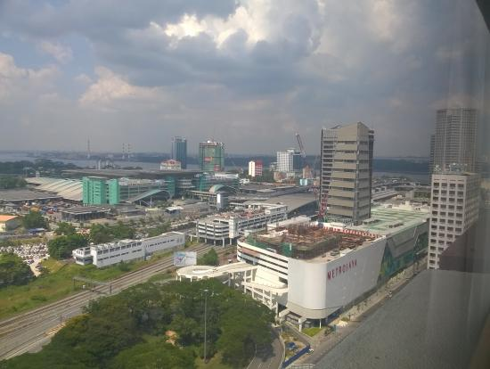 Tropical Inn Johor Bahru: View from the room.  Buildings are from left CIQ, JB Sentral, Komtar City Squre Shopping Centre.
