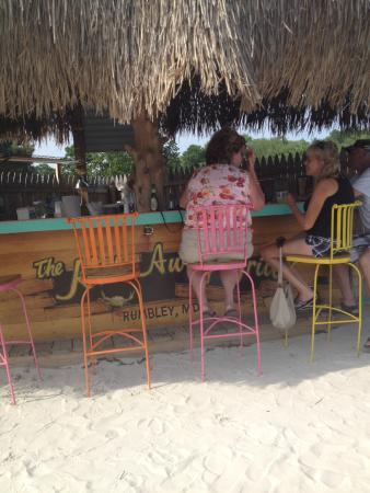 Goose Creek Marina and Hide Away Grill: Hide Away Tiki Bar