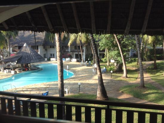 Milele Beach Hotel: POOL BY THE ROOMS-Another located by the restaurant.