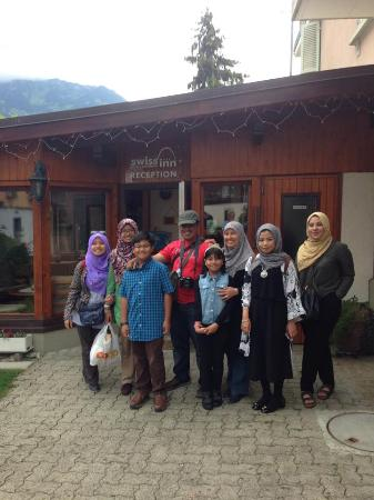 Swiss Inn Hotel & Apartments: my family in front of the reception area