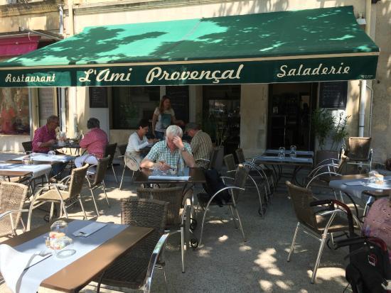 L'ami Provencal : Vue extérieure du restaurant