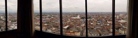 Torre De Cali Hotel: Vista de la ciudad.