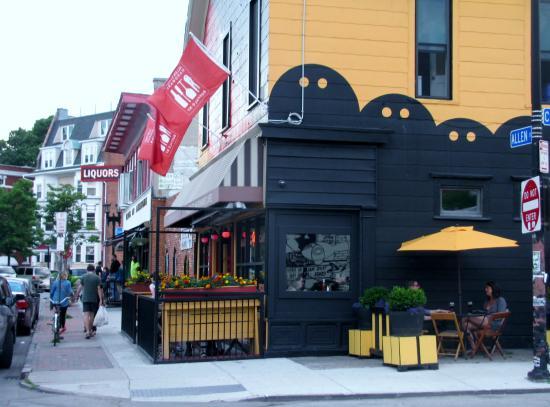 Allentown: Patio Restaurant