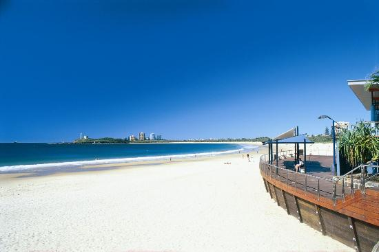 Sunshine Coast, Australia: White sands of Mooloolaba Beach