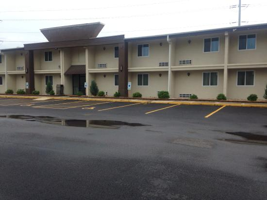 Lexington Inn Suites