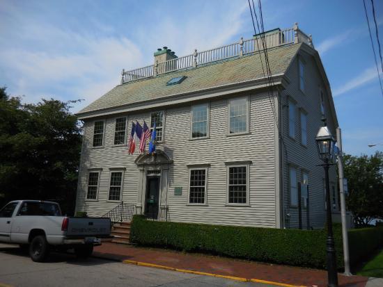 Hunter House: Exterior