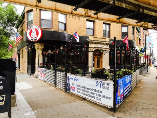 Houndstooth Saloon: Front of the bar