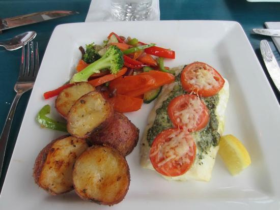 Summerville, Kanada: Oven baked halibut $25
