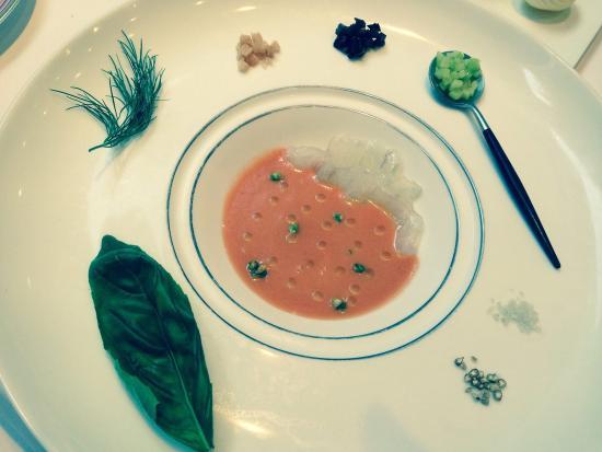 Restaurant Feu: スズキのガスパッチョ 冷製スープ