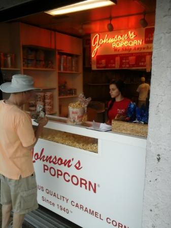Johnson's Popcorn: Placing our order for caramel corn with peanuts.