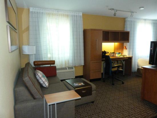 TownePlace Suites Portland Hillsboro: View-in the front door