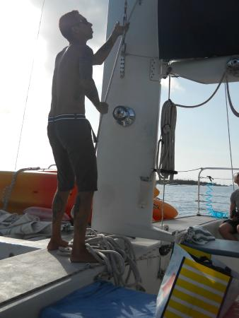 Blu Q Catamaran: Setting sail!