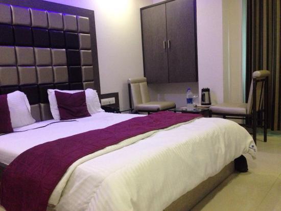 OYO 9239 Hotel Flair Inn
