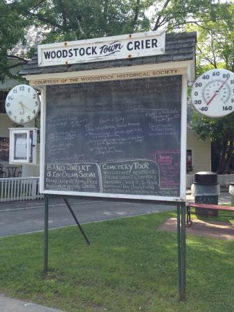 Woodstock Town Crier: photo0.jpg