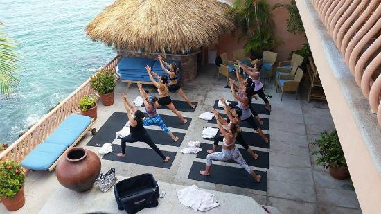 Yoga Vallarta: Yoga session