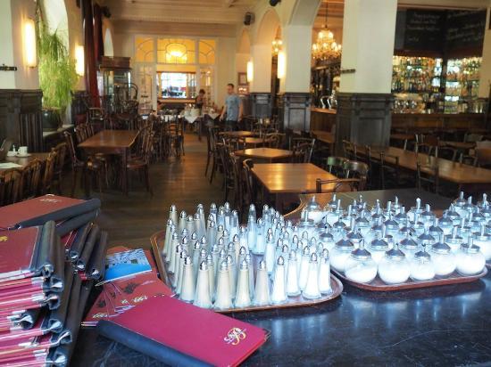 Hotel-Pension Mariandl: Blick ins große Cafe Beethoven