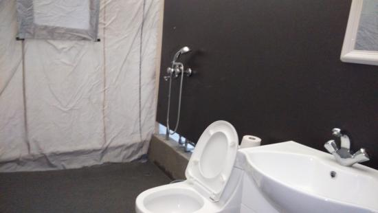 Camp Water Mark: attach bathroom without water