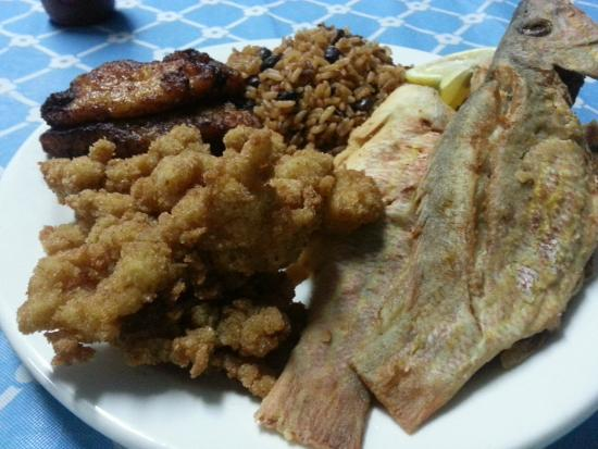 The Blue Room: Fried snapper meal