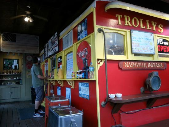 Trolley's BBQ: Trolly's counter