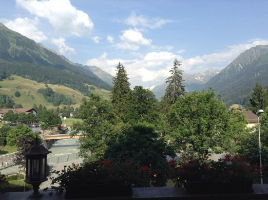 Silvretta Parkhotel Klosters: Great room view.