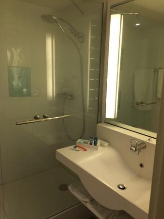 specialiste salle de bain bordeaux g nie sanitaire. Black Bedroom Furniture Sets. Home Design Ideas