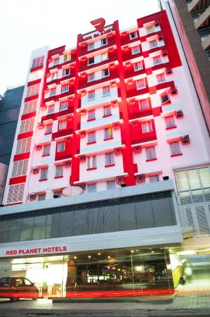 Red Planet Ermita, Manila: Facade by Day