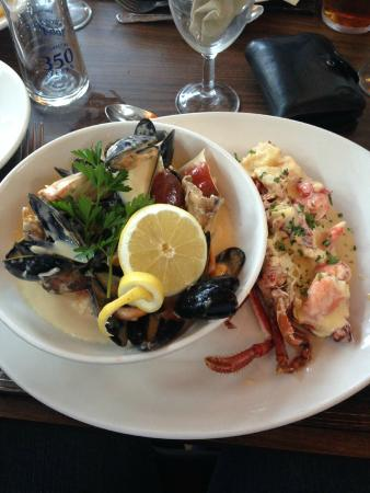 Crown Hotel: Seafood Platter in the restaurant