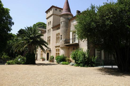 Montagnac, Francia: Exterior of Chateau. Rents for 3000 Euro per night!