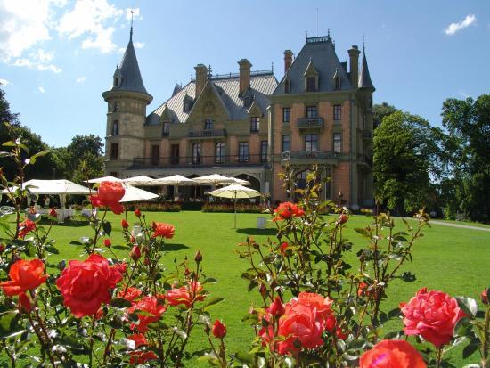 Schloss Schadau: Das Schloss Schadau im Sommer