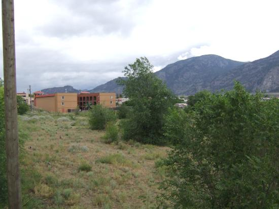 Super 8 Osoyoos: View of rear of hotel from nearby street
