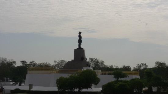 Phra Samut Chedi, Thailand: ป้อมพระจุลจอมเกล้า